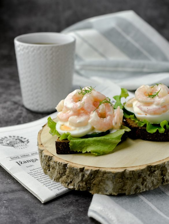 Scandinavian shrimp rye bread sandwich